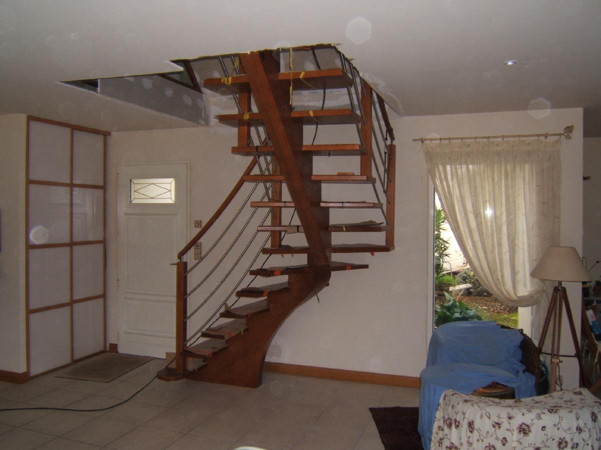 les escaliers il existe diff rents type d escaliers mr glaum vous conseillera. Black Bedroom Furniture Sets. Home Design Ideas